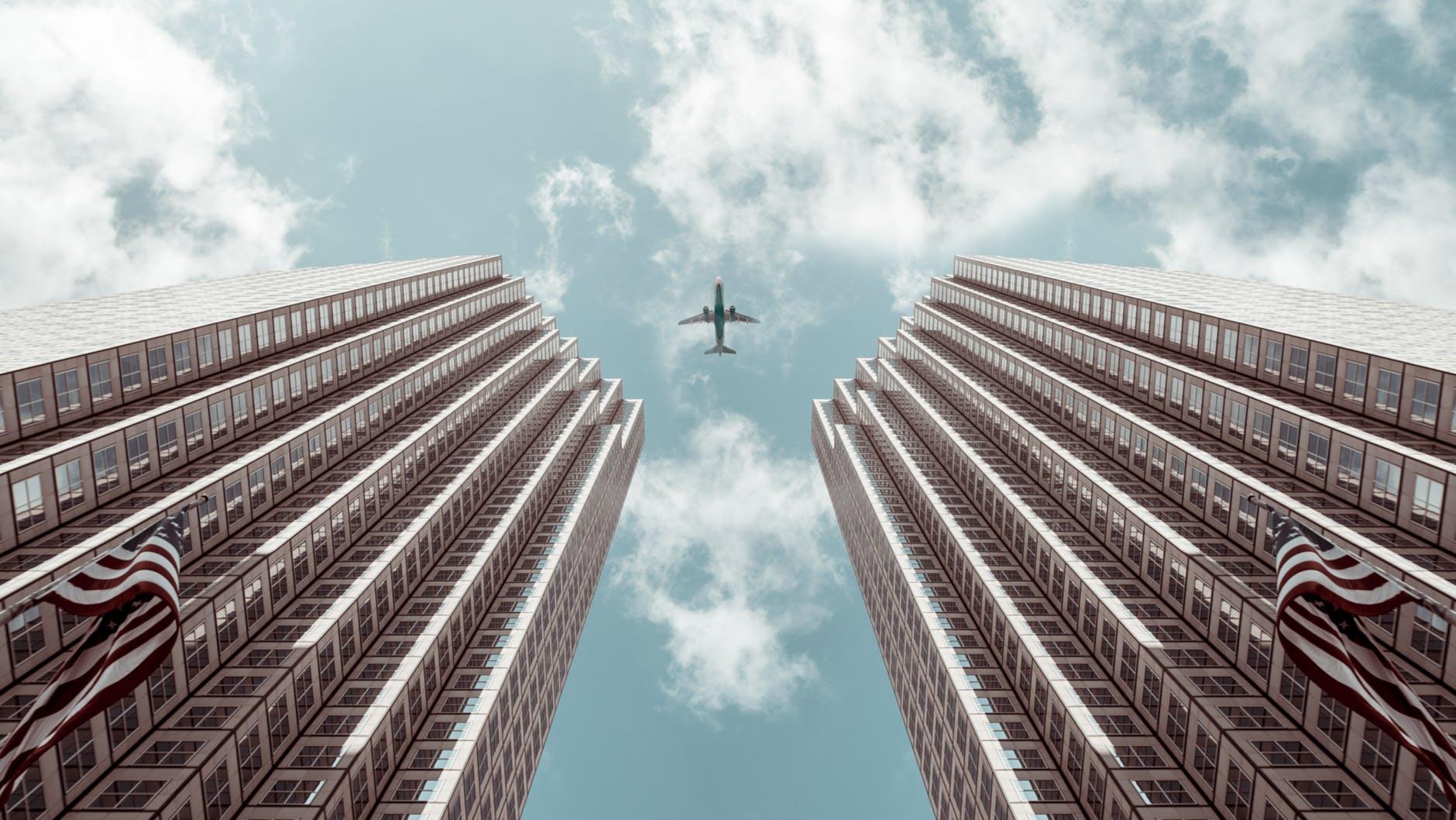 Viagens de avião particular como incentivo: descubra por que cada vez mais empresas recompensam seus trabalhadores com esse tipo de experiência única em equipe