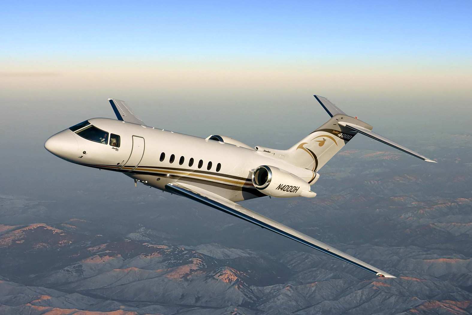 private jets spain hawker beechcraft 4000